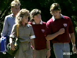 Scott Robinson, Charlene Mitchell, Nikki Dennison, Mike Young in Neighbours Episode 0236