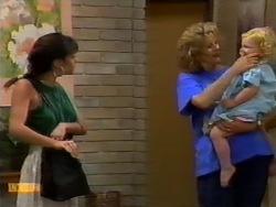 Kerry Bishop, Madge Bishop, Sky Mangel in Neighbours Episode 0941