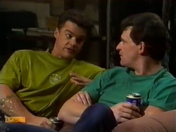 Paul Robinson, Des Clarke in Neighbours Episode 0941