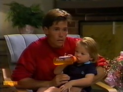 Mike Young, Jamie Clarke in Neighbours Episode 0941