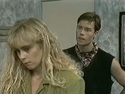 Jane Harris, Mike Young in Neighbours Episode 0942
