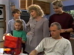 Todd Landers, Katie Landers, Beverly Marshall, Jim Robinson, Nick Page in Neighbours Episode 0943