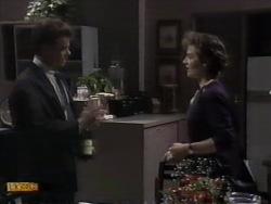 Officer Steven Lee, Gail Robinson in Neighbours Episode 0944