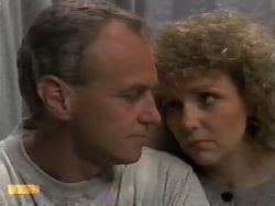 Jim Robinson, Beverly Robinson in Neighbours Episode 0944