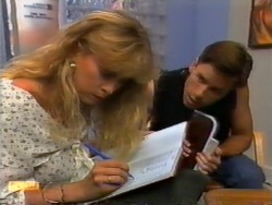 Jane Harris, Mike Young in Neighbours Episode 0945