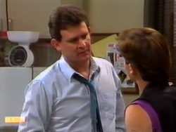 Des Clarke, Mike Young in Neighbours Episode 0945
