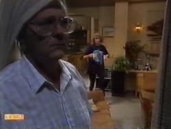 Harold Bishop, Madge Bishop in Neighbours Episode 0945