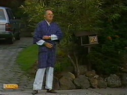 Harold Bishop in Neighbours Episode 0947