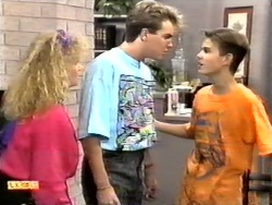 Sharon Davies, Nick Page, Todd Landers in Neighbours Episode 0948
