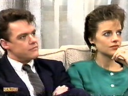 Paul Robinson, Gail Robinson in Neighbours Episode 0949