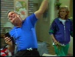 Lou Carpenter, Madge Bishop in Neighbours Episode 1778