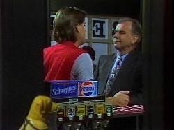 Cameron Hudson, Gavin Heywood in Neighbours Episode 1828