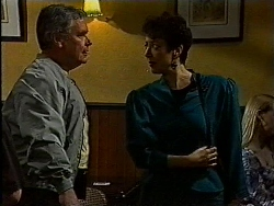 Lou Carpenter, Sue-Ellen in Neighbours Episode 1829