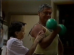 Toby Mangel, Lou Carpenter in Neighbours Episode 1829