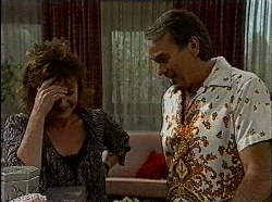 Pam Willis, Doug Willis in Neighbours Episode 1830