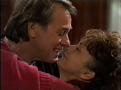 Doug Willis, Pam Willis in Neighbours Episode 1830