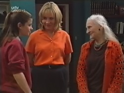 Anne Wilkinson, Ruth Wilkinson, Lily Madigan in Neighbours Episode 3150