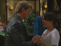 Mike Healy, Libby Kennedy in Neighbours Episode 3162