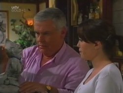Lou Carpenter, Libby Kennedy in Neighbours Episode 3162