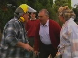 Lou Carpenter, Paul McClain, Harold Bishop, Madge Bishop in Neighbours Episode 3163