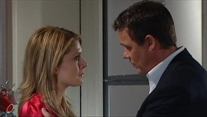 Izzy Hoyland, Paul Robinson in Neighbours Episode 4833