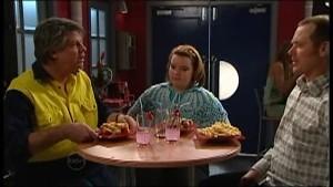 Joe Mangel, Bree Timmins, Max Hoyland in Neighbours Episode 4853