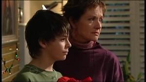 Zeke Kinski, Susan Kennedy in Neighbours Episode 4870