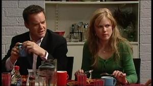 Paul Robinson, Elle Robinson in Neighbours Episode 4870