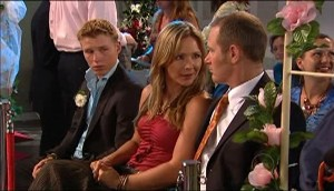 Boyd Hoyland, Steph Scully, Max Hoyland in Neighbours Episode 4979