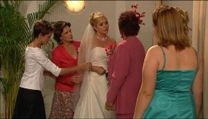 Susan Kennedy, Lyn Scully, Janelle Timmins, Angie Rebecchi, Bree Timmins in Neighbours Episode 4979