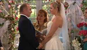 Janelle Timmins, Kim Timmins in Neighbours Episode 4979