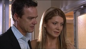 Paul Robinson, Izzy Hoyland in Neighbours Episode 4983
