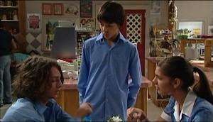Garrett Burns, Zeke Kinski, Rachel Kinski in Neighbours Episode 4984