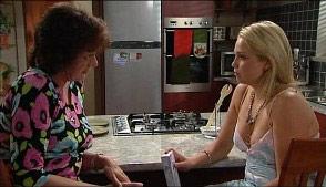 Mishka Schneiderova, Sky Mangel in Neighbours Episode 4986
