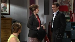 Gail Robinson, Lyn Scully, Paul Robinson in Neighbours Episode 4988
