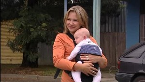 Steph Scully, Charlie Hoyland in Neighbours Episode 4989