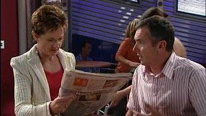 Susan Kennedy, Karl Kennedy in Neighbours Episode 4989