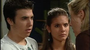 Stingray Timmins, Rachel Kinski, Janelle Timmins in Neighbours Episode 4990