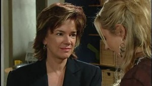Lyn Scully, Janelle Timmins in Neighbours Episode 4990