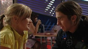 Elle Robinson, Dylan Timmins in Neighbours Episode 4992