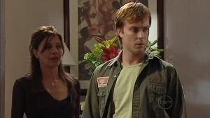 Gail Robinson, Cameron Robinson in Neighbours Episode 4992