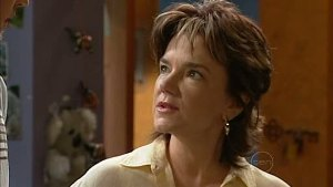 Lyn Scully in Neighbours Episode 4993