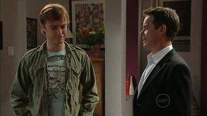 Robert Robinson, Paul Robinson in Neighbours Episode 4993