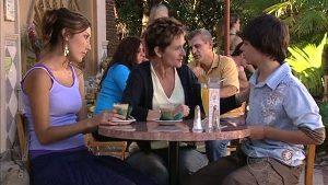 Katya Kinski, Susan Kennedy, Zeke Kinski in Neighbours Episode 4994