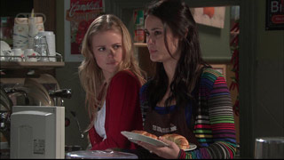 Elle Robinson, Carmella Cammeniti in Neighbours Episode 5569