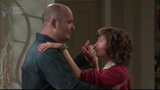 Steve Parker, Bridget Parker in Neighbours Episode 5569