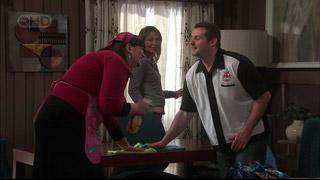 Kelly Katsis, Miranda Parker, Toadie Rebecchi in Neighbours Episode 5569