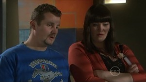 Toadie Rebecchi, Kelly Katsis in Neighbours Episode 5575
