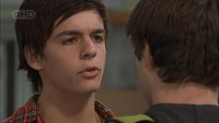 Zeke Kinski, Declan Napier in Neighbours Episode 5577