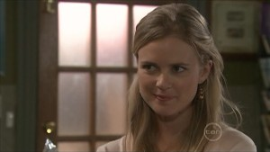 Elle Robinson in Neighbours Episode 5579